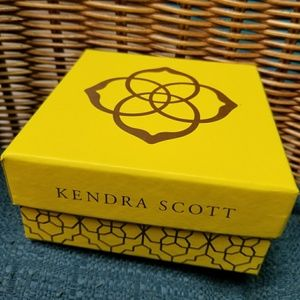 Kendra Scott Jewelry - Brand New Kendra Scott Blush Dichroic Rosegold Set